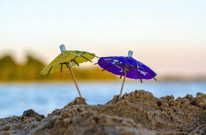 Gemeinde Antigua installiert Sonnenschutz an Schulen